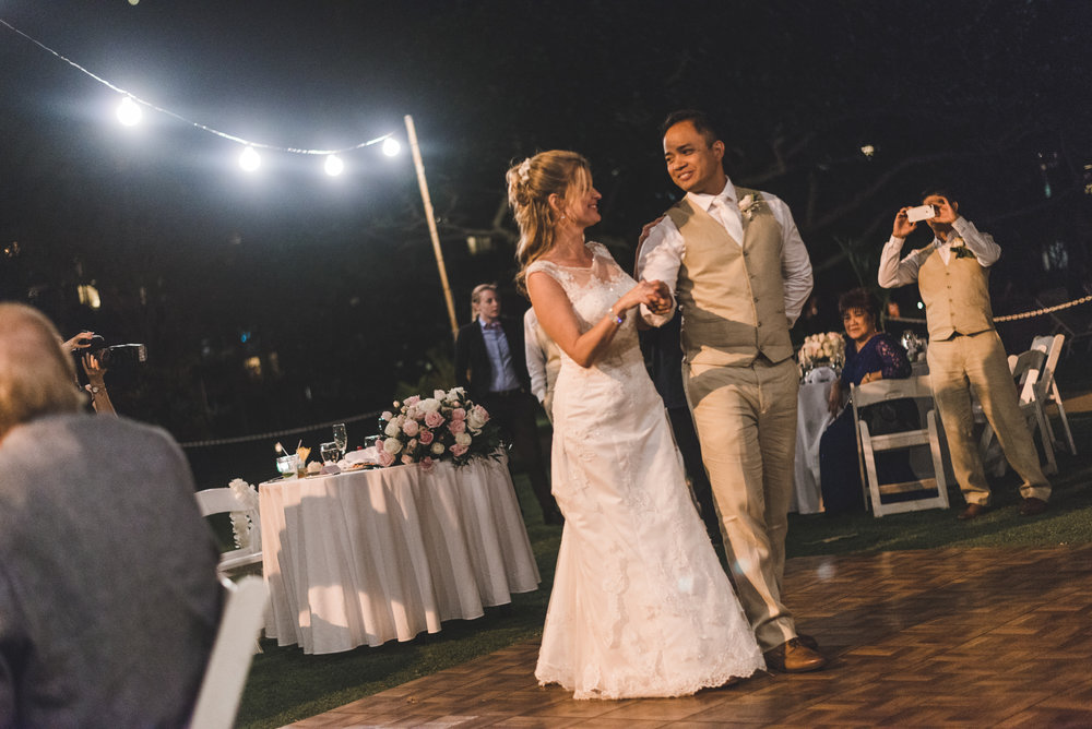 the first dance for the newlyweds in maui