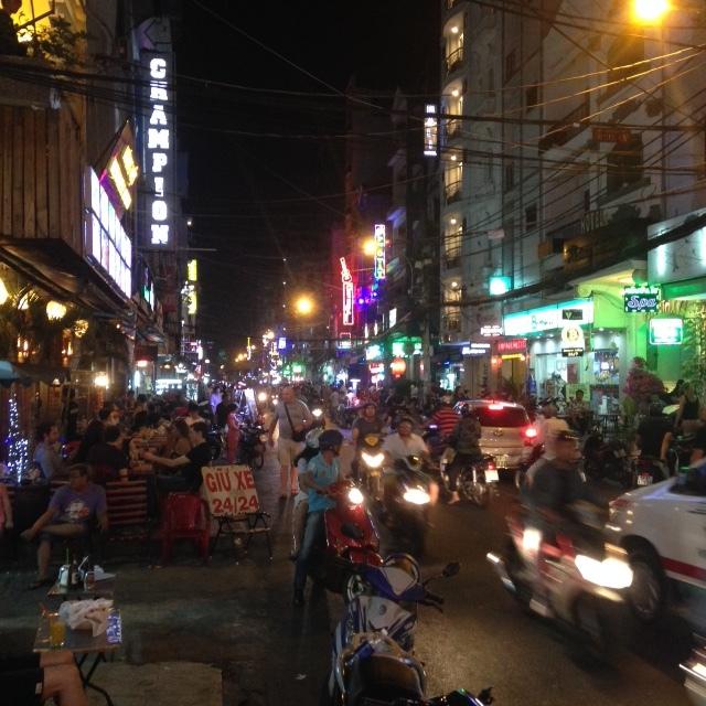The pandemonium that is Bui Vien street