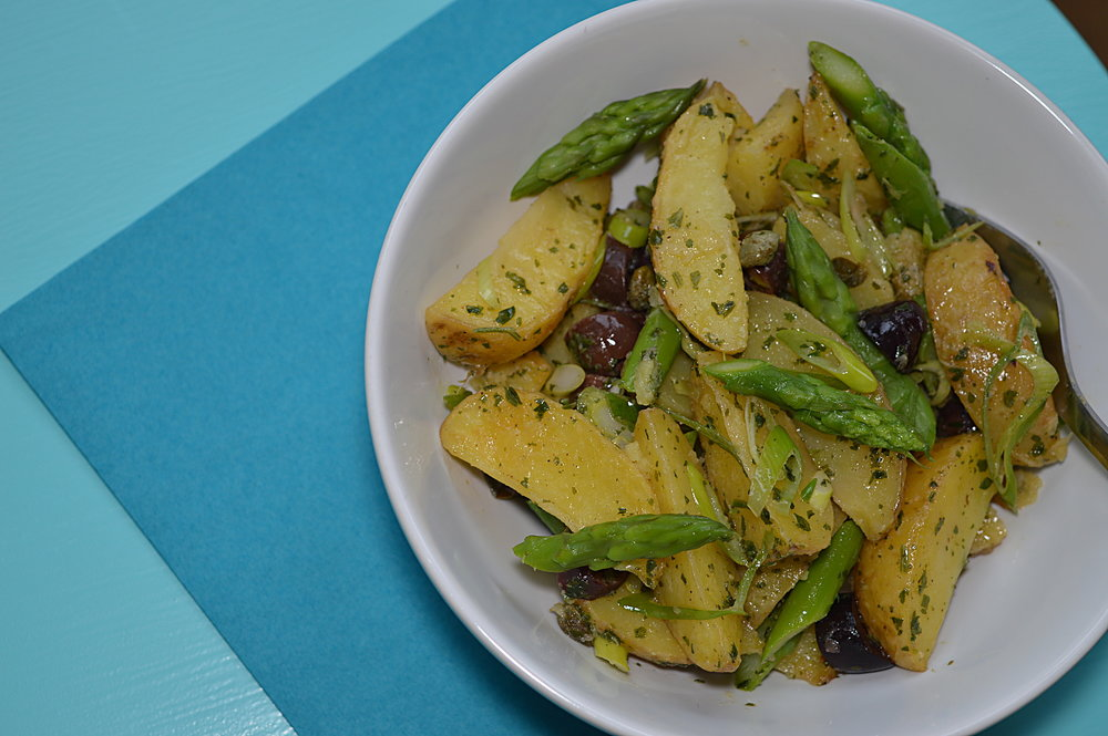 Rostad potatissallad i skål