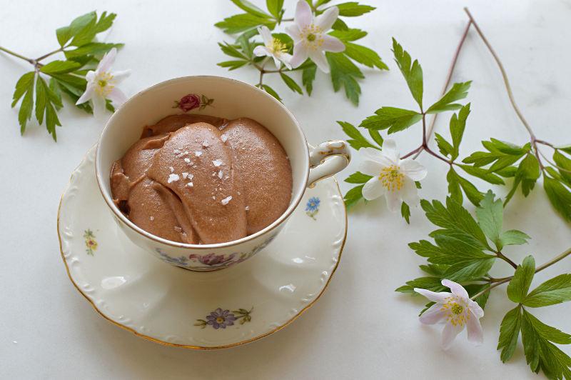 Chokladmousse med salt karamell