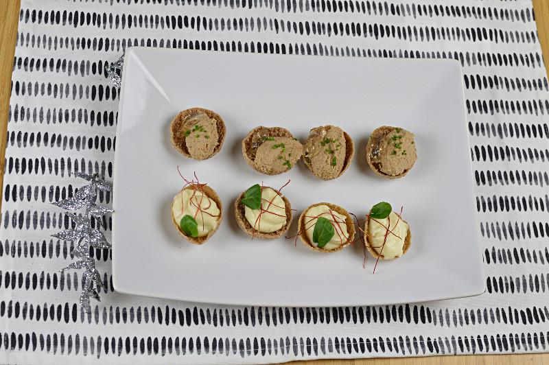 Snittar: rågkrustader med blomkålskräm och paté