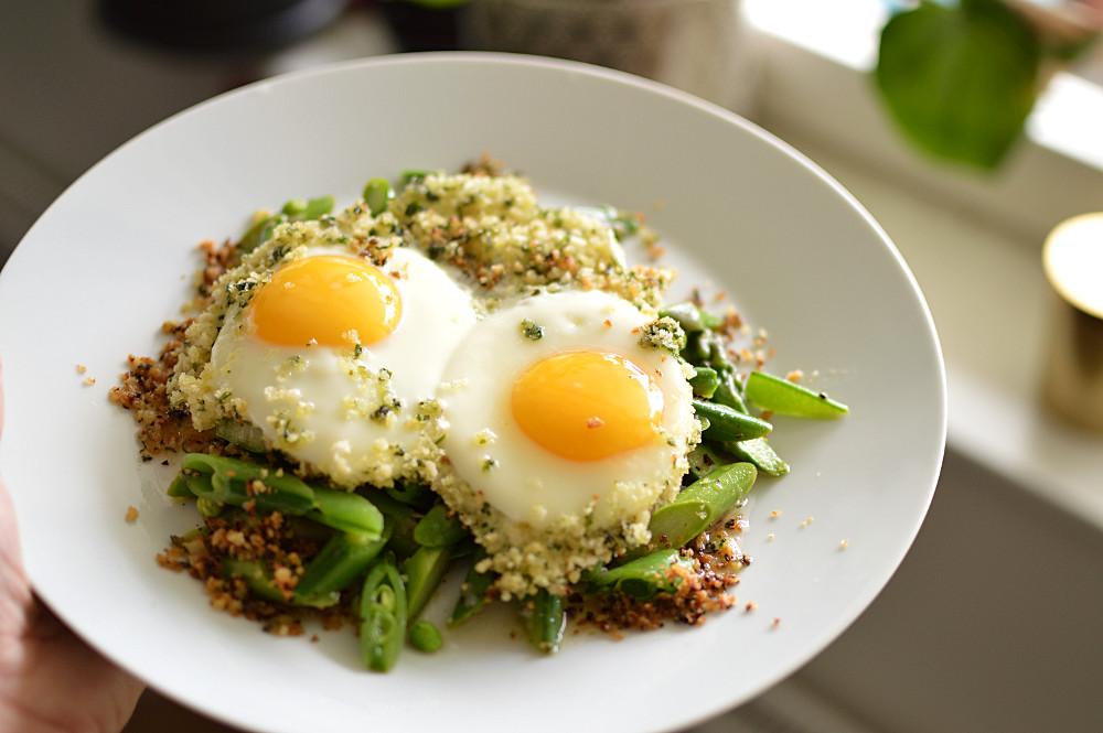 Stekta ägg med krisp från panko