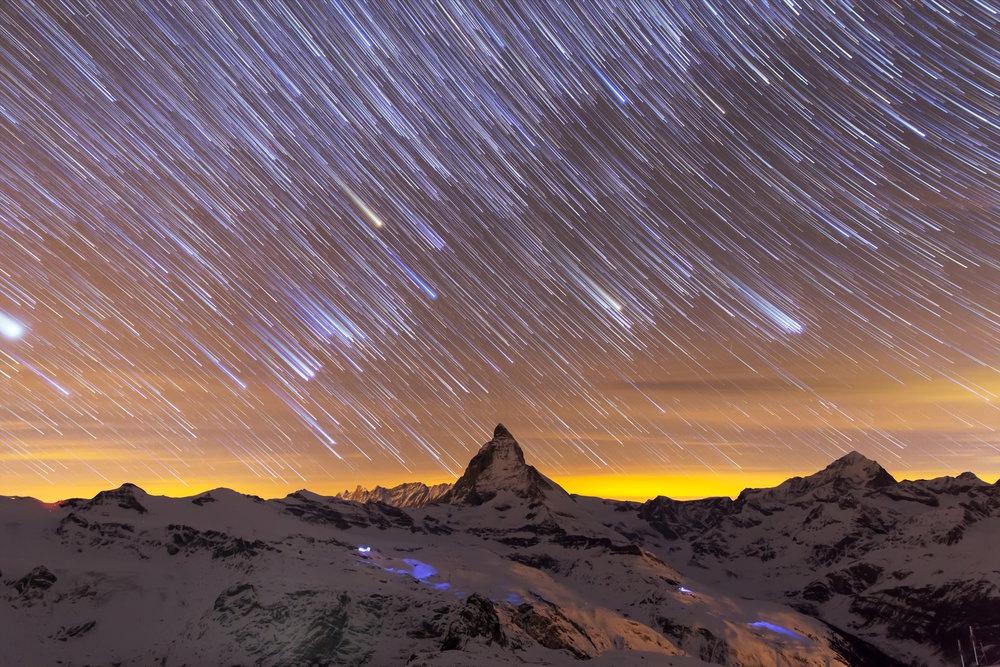 CH Matterhorn Startrails.jpg