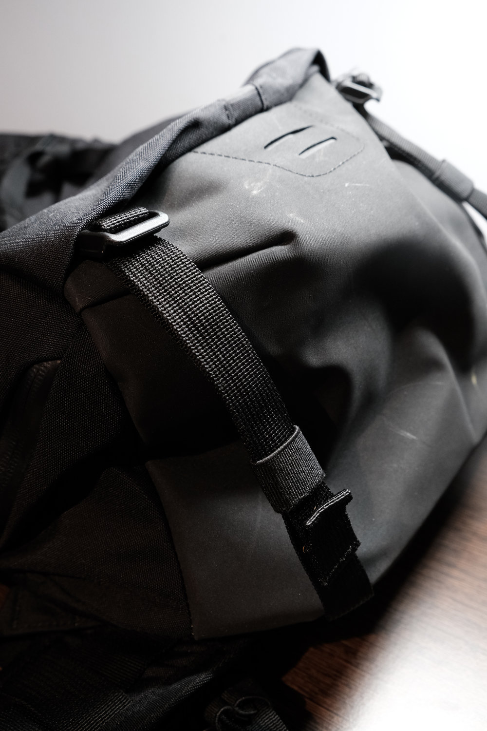 fb3a166f29 The materials of the bag feel amazing. Everything from the 420 Hypalon  bottom and details to the 500D nylon kodra shell. This bag feels like it  can ...