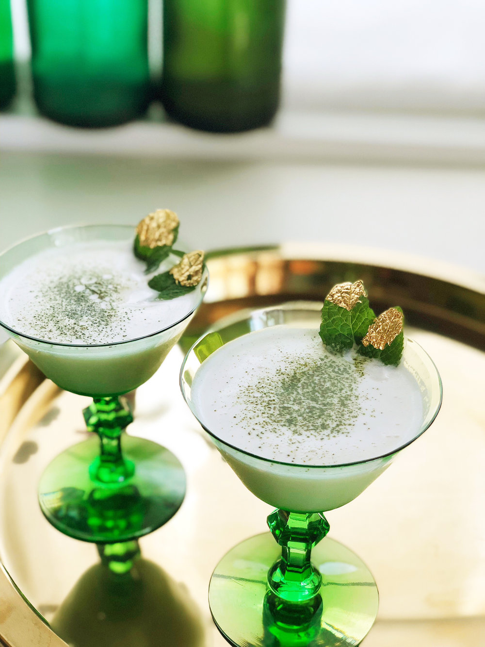 Emerald City Tea Cocktail | drinkingwithchickens.com