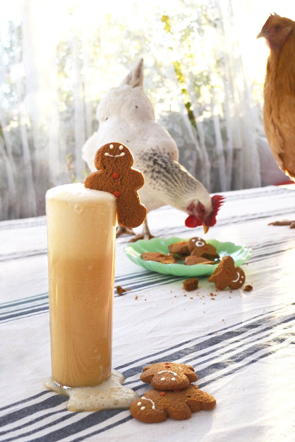 GINgerbread Man Fizz made with Bombay Sapphire #gin | drinkingwithchickens.com #AD