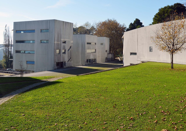 facultad de arquitectura-siza-oporto