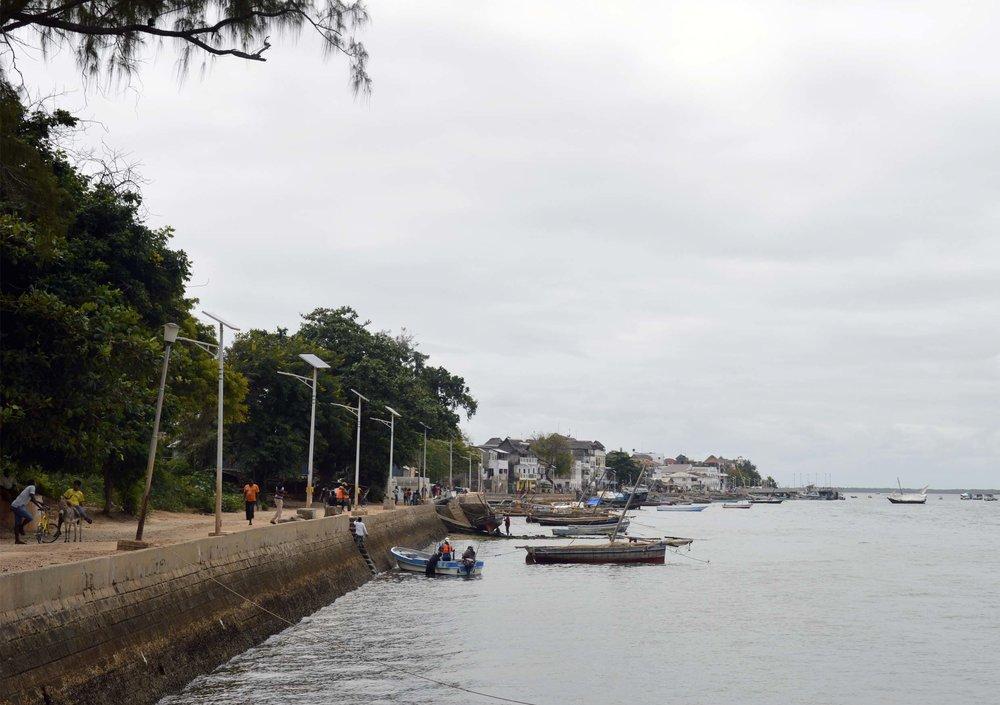 Lamu-Kenya-03-citymladyp.jpg