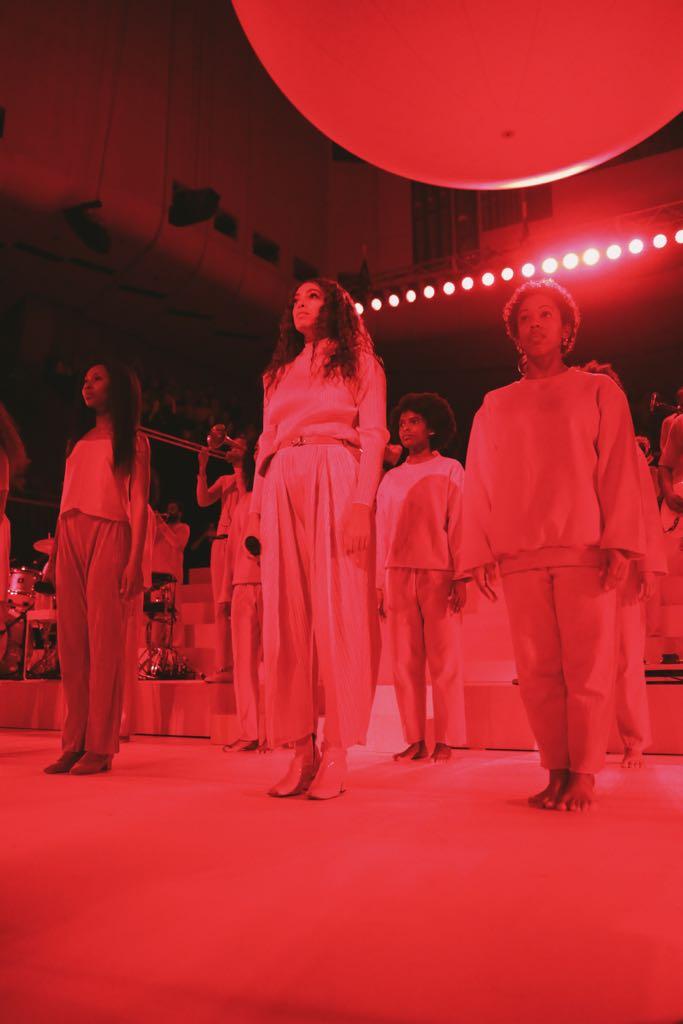 Solange vivid show