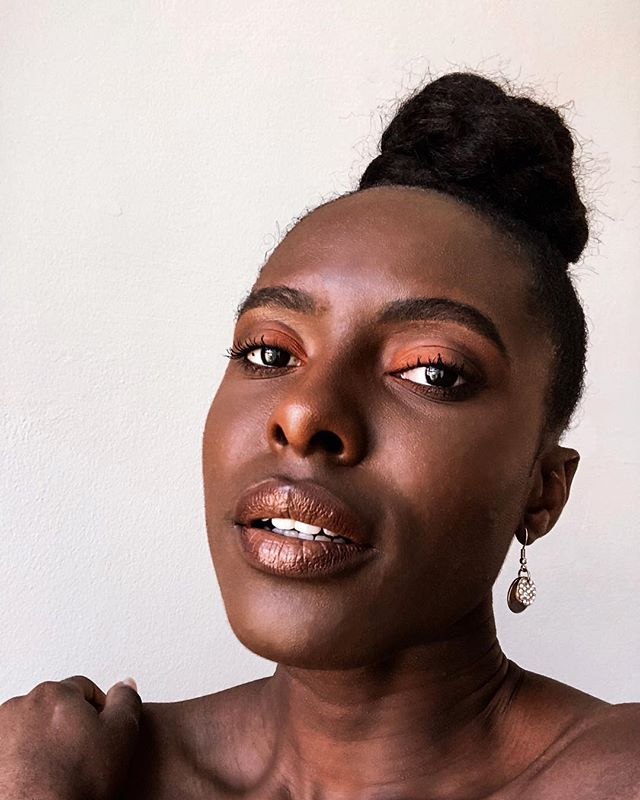 Your favourite piece of cake 🧡 ✨ ✨  #thepurpleclassics #melanin #makeup #naturalhair #idoafrica