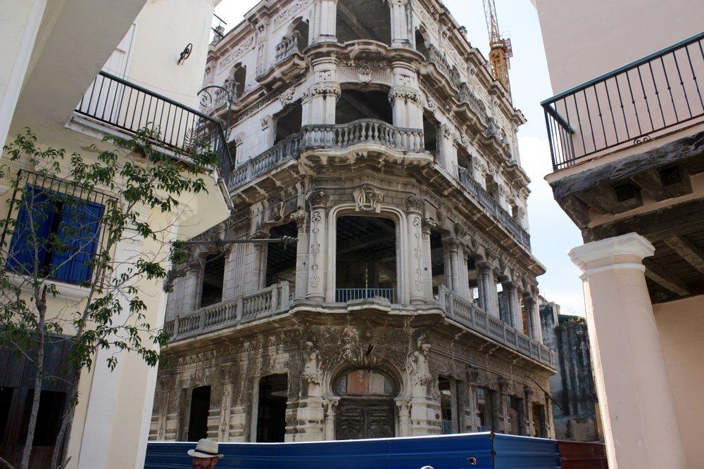 Palacio Cueto currently under restoration
