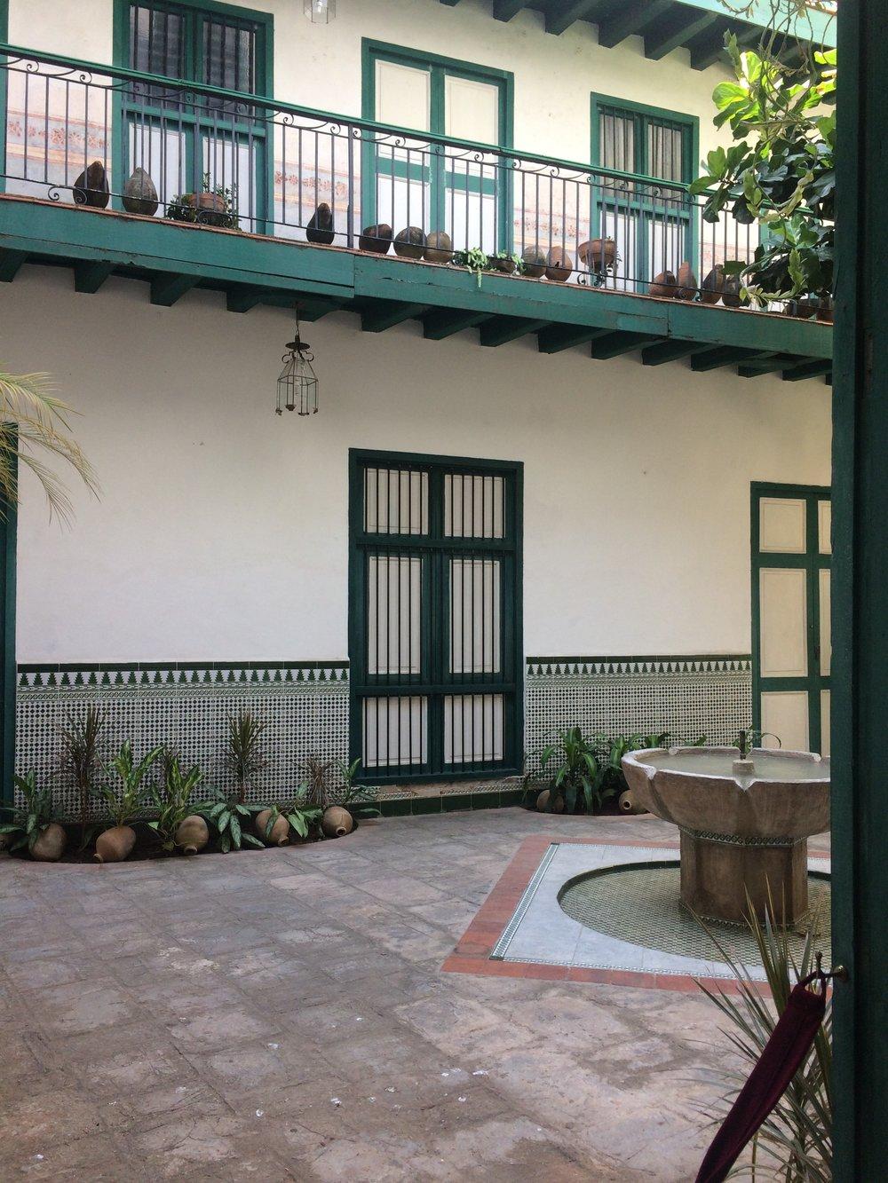 Casa del arabe, Cuba