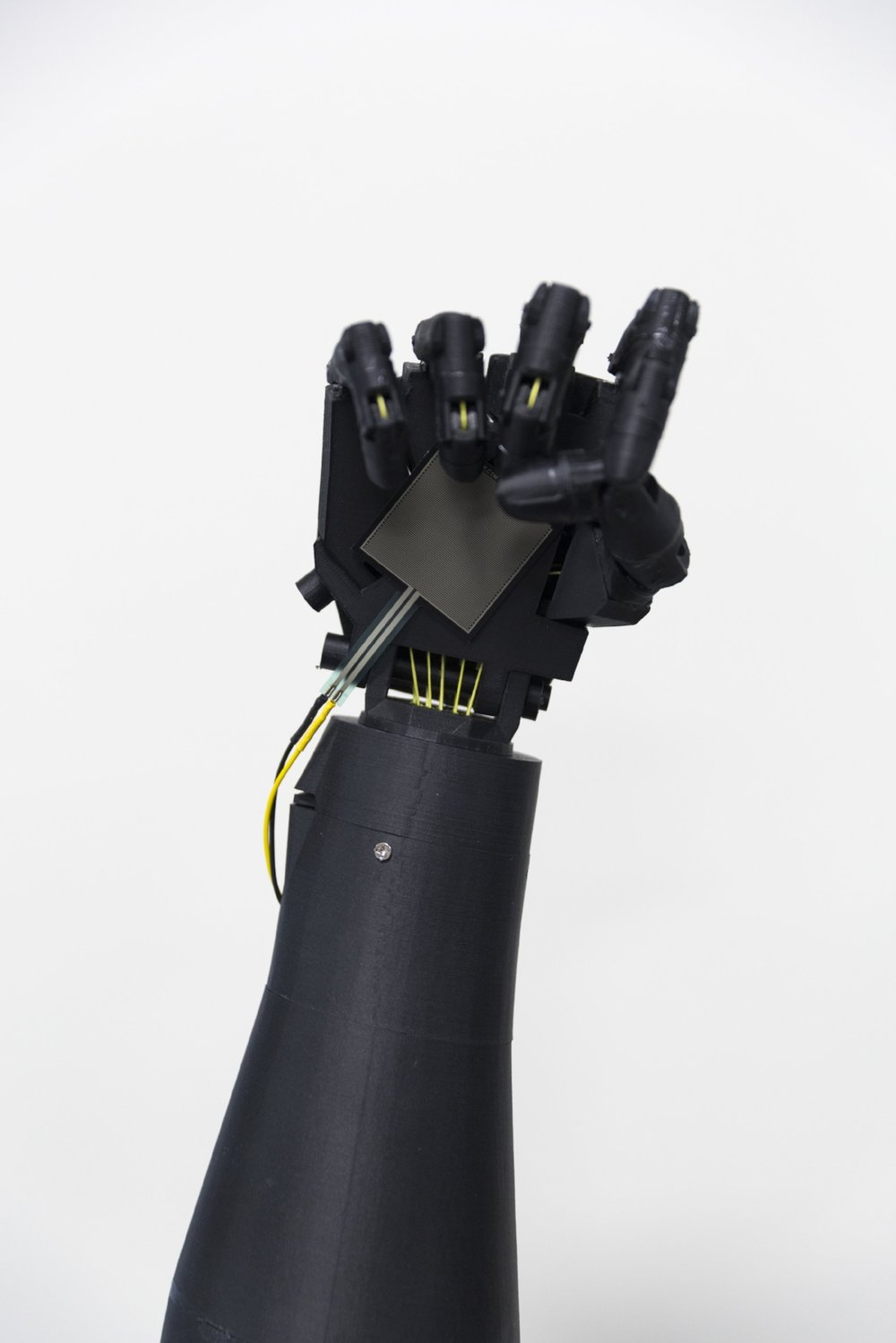 3D Printed hand equipped with a pressure sensor