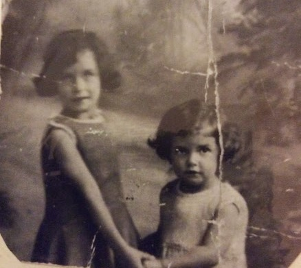 Edith and her sister.jpg