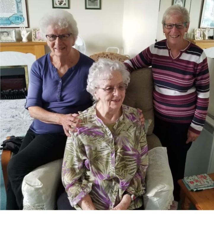 Edith and her sisters.jpg