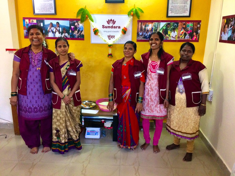 Madhuri and Sushma, our veteran Hygiene Ambassadors from Kalwa, travelled to Pune to welcome Leena, Sujata and Aniiethaa to our Sundara family in Pune.