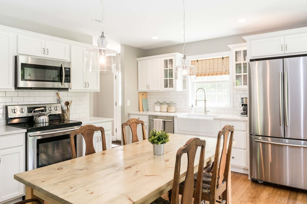 Autumn Lane Starter Home Colonial, Raymond Maine, Kitchen Farmers Sink