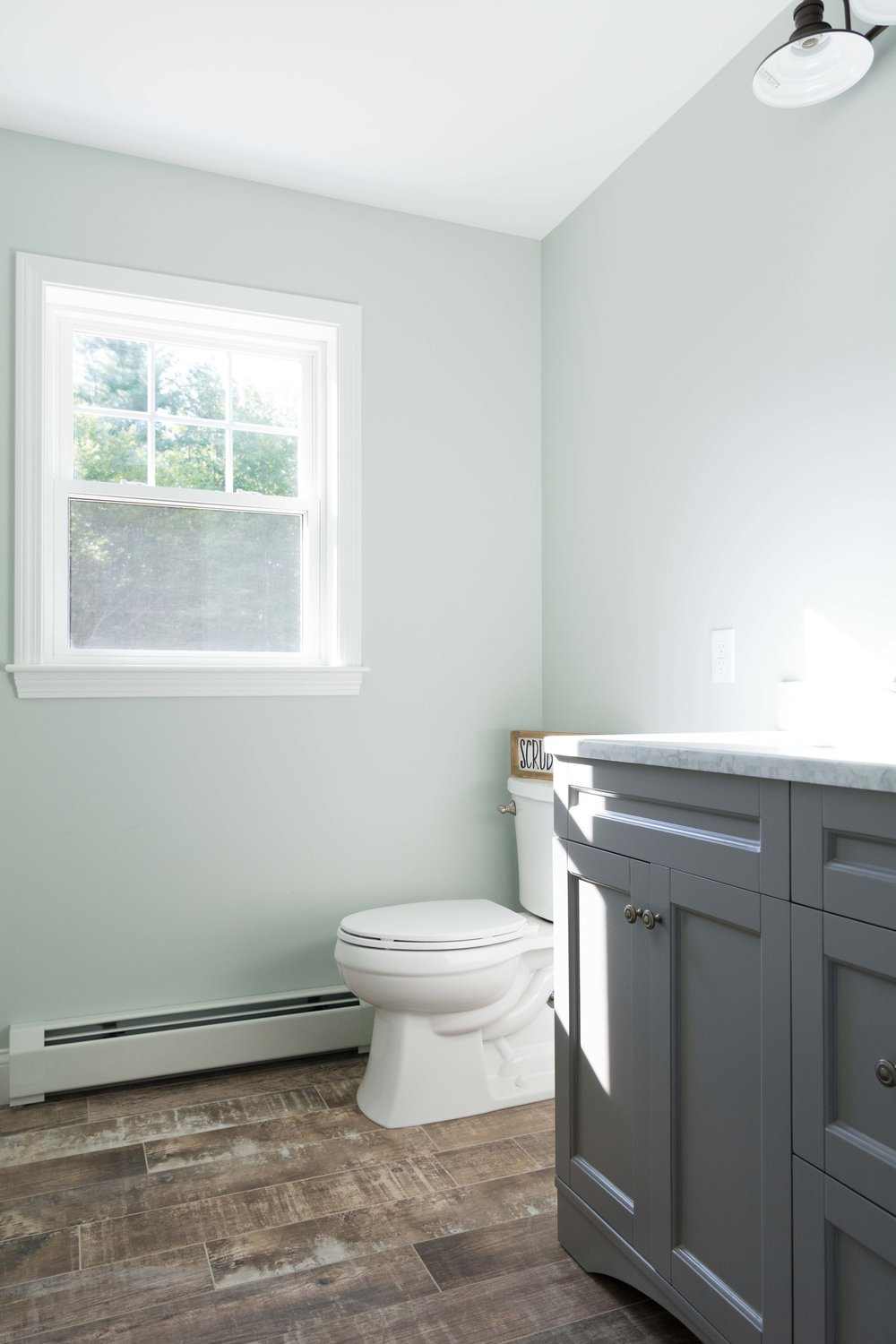 Cedar Hill Colonial, Cumberland, Maine, Guest Bathroom