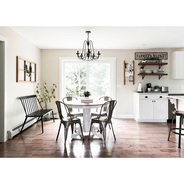 A few months after moving into their new home, the Clarke family has already added so much warmth and character to the interior. Kristina's favorite space is the bright farmhouse kitchen, while Ben's is the porch overlooking the front yard. And their son's favorite part? The grassy backyard and all his new neighborhood friends! 👪🏠 • Link in our bio for details and floor plans of this #farmhouse style home . . . . . . 📸 @tessadmanning #mgmbuilders #customhomebuilder #customhome #newhomeconstruction #mainebuilder #buildingmaine #buildingdreams #buildwithpassion #mainehomedesign #mainehomes #homedesign #generalcontractor #contractorsofinsta #buildersofig #keepcraftalive #finehomebuilding #mainehomelife #maine #windham #homedesign #thisishome #designnewengland #mainemade #mainelife #ourmodernfarmhouseme #ourmodernfarmhouse #custombuild