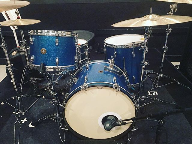 "I'm taking our '63 @gretschdrums round badge for a spin Saturday at Musician's Corner/Centennial Park w/ Karen Elson. 13"", 16"", 20"" w/ matching 5x14"" snare in blue glass glitter. Plus my faithful @zildjiancompany cymbals. Sounds righteous. This is now available to rent for sessions and tours. 🌀 www.doriovintagedrums.com • rentals@doriovintagedrums.com."