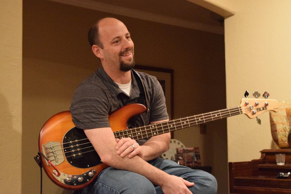 Rob, Bassist
