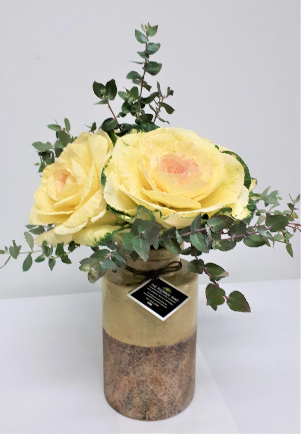 Vase Citrine Classic w flowers.jpg