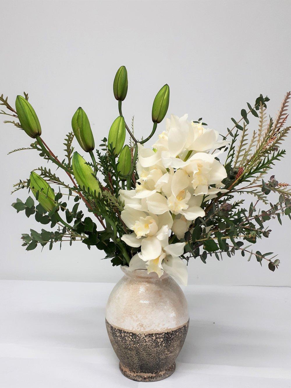 Vase latte bulb flowers.jpg