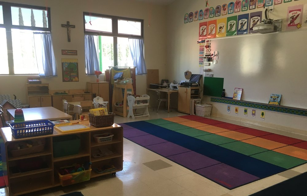 This classroom is ready to be filled with students eager to learn!