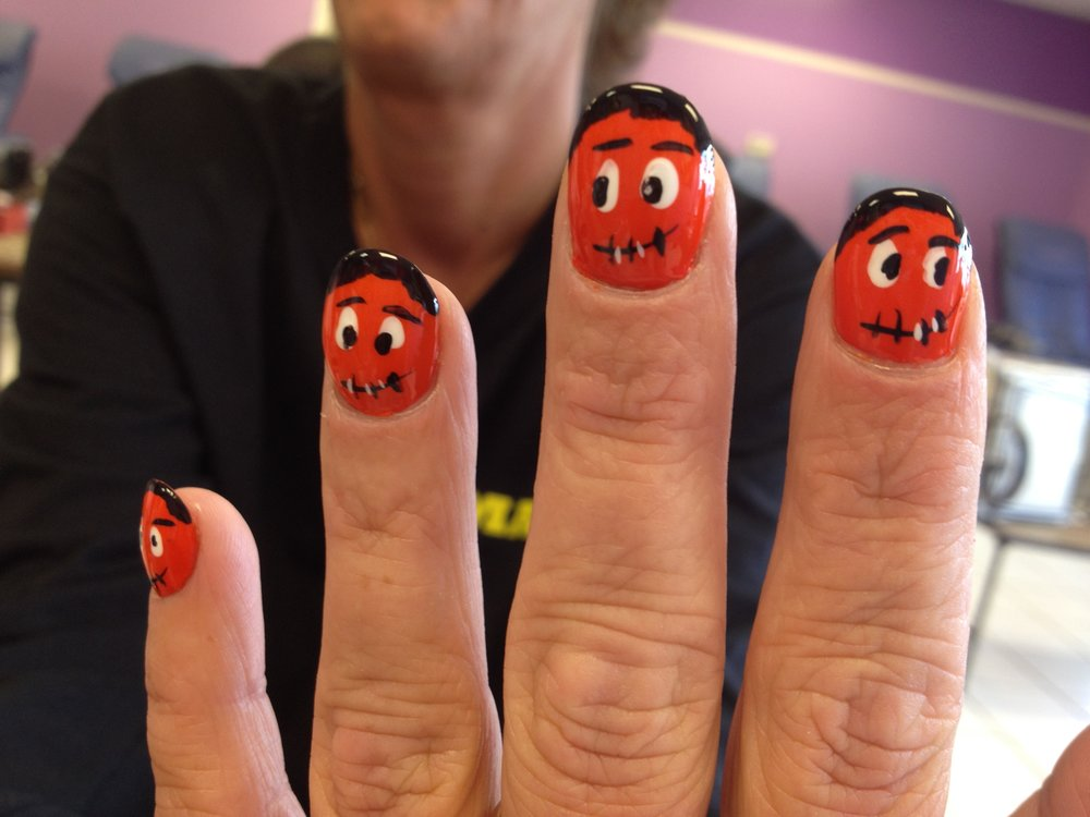 Haloween nails.JPG