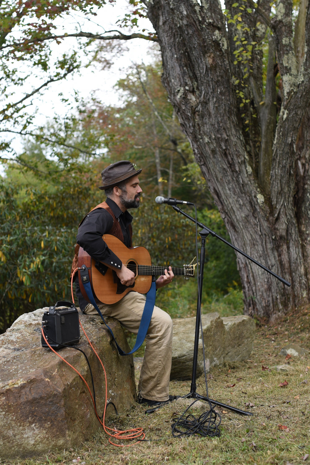 Mountain Wedding, Outdoors, Rustic, West Virginia, Maryland Wedding Photographer, DIY, Casual, friend playing guitar and singing at reception