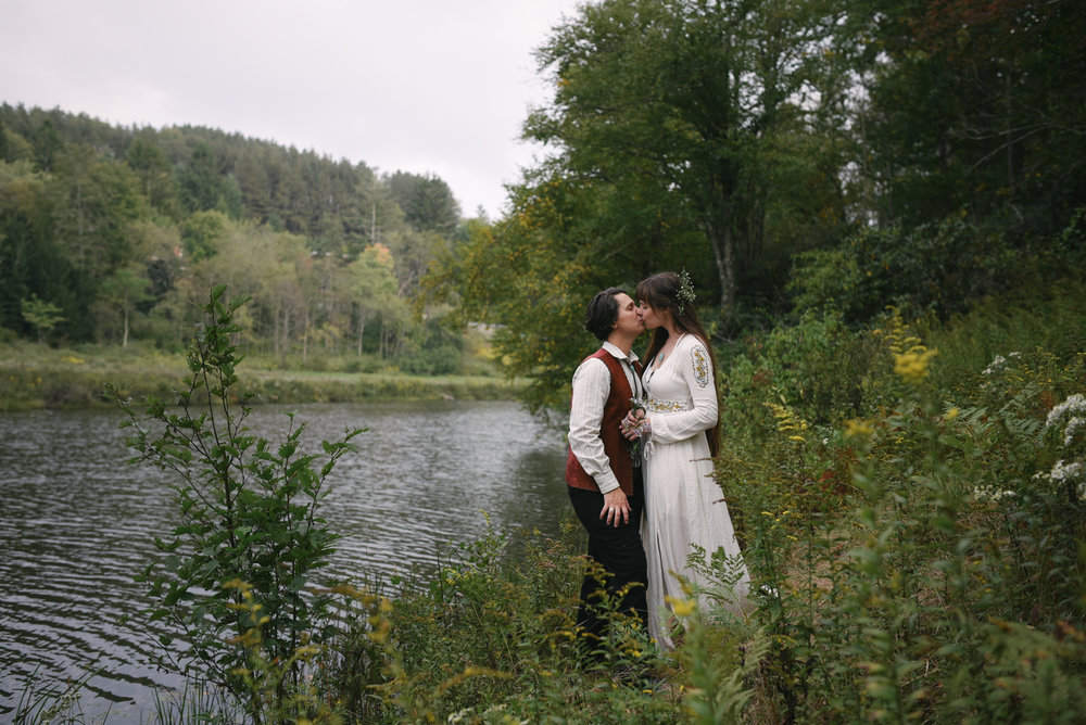 Mountain Wedding, Outdoors, Rustic, West Virginia, Maryland Wedding Photographer, DIY, Casual, bride and groom kissing beside river, Blackwater River