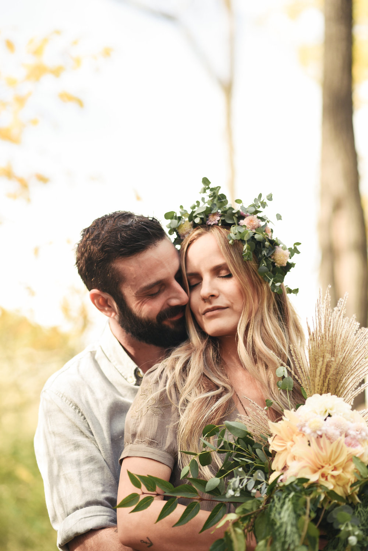 Baltimore, Maryland Wedding Photographer, Backyard Wedding, DIY, Rustic, Casual, Fall Wedding, Woodland, Flower Crown