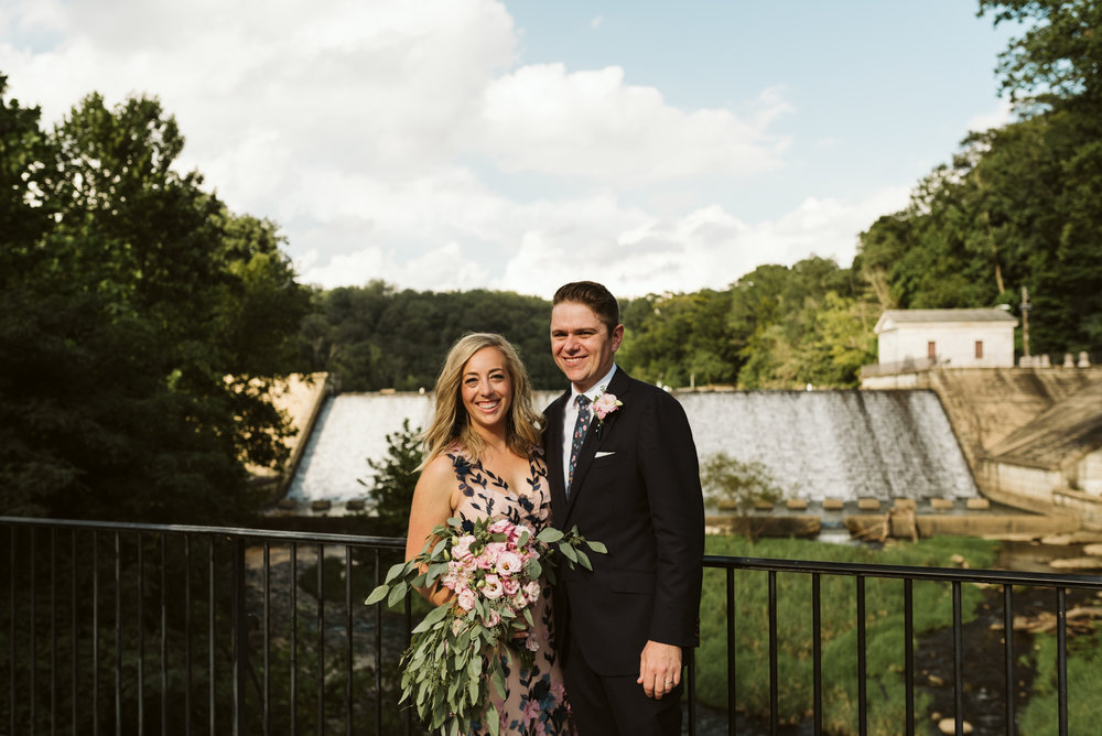 classic portrait of couple on wedding day at lake roland