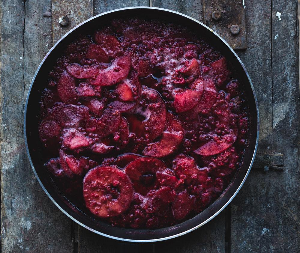 Apple & Raspberry  sauce -