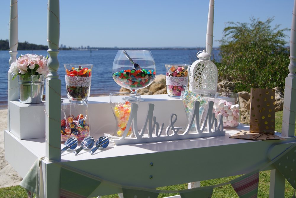 Wedding_PW_Left_MidDist_Little Lolly Cart.JPG