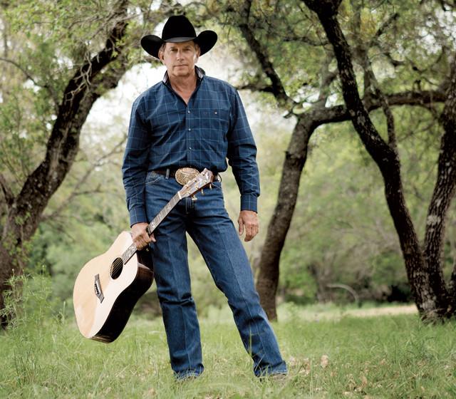 """Il """"Cowboy Cut"""" è un must della Wrangler: il famoso jeans con la piega! Ormai sono sempre più rari, qui da noi, ma mi ricordo i bei tempi in cui si indossavano alle serate country venete."""