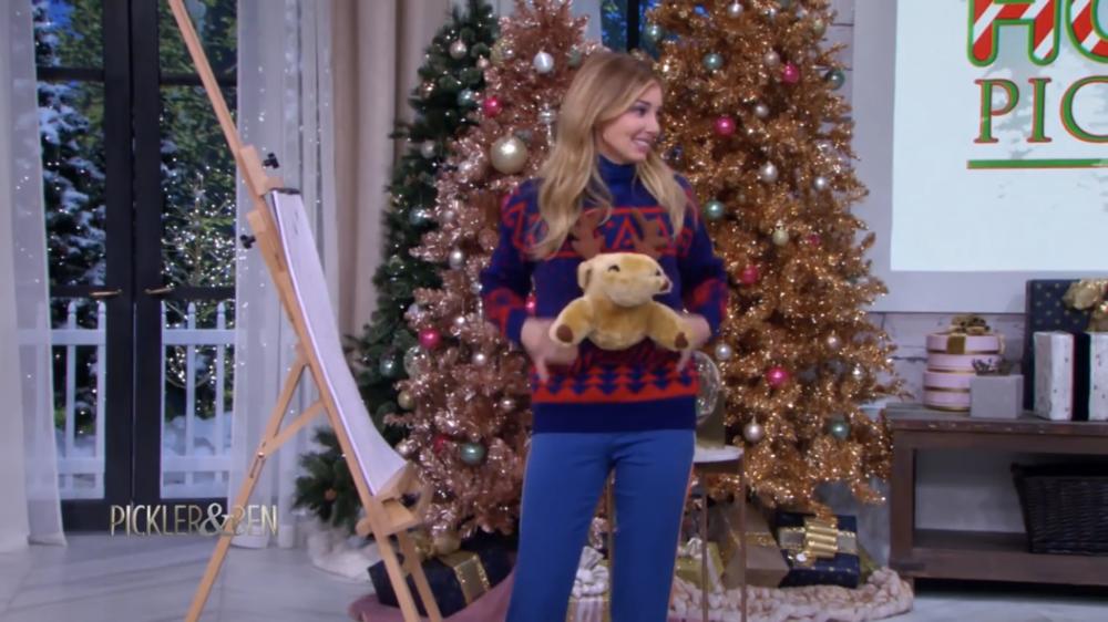 Ugly Sweater: il migliore quest'anno è stato sfoggiato da Faith Hill durante il Pickler & Ben Show.  La puntata è qui.