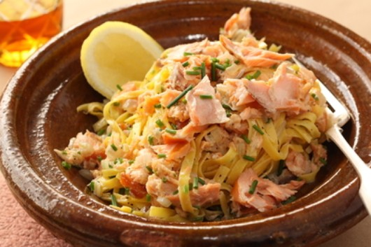 Fettuccine with smoked salmon & crème fraîche