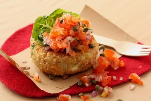 Smoked pollack fishcakes & tomato salsa