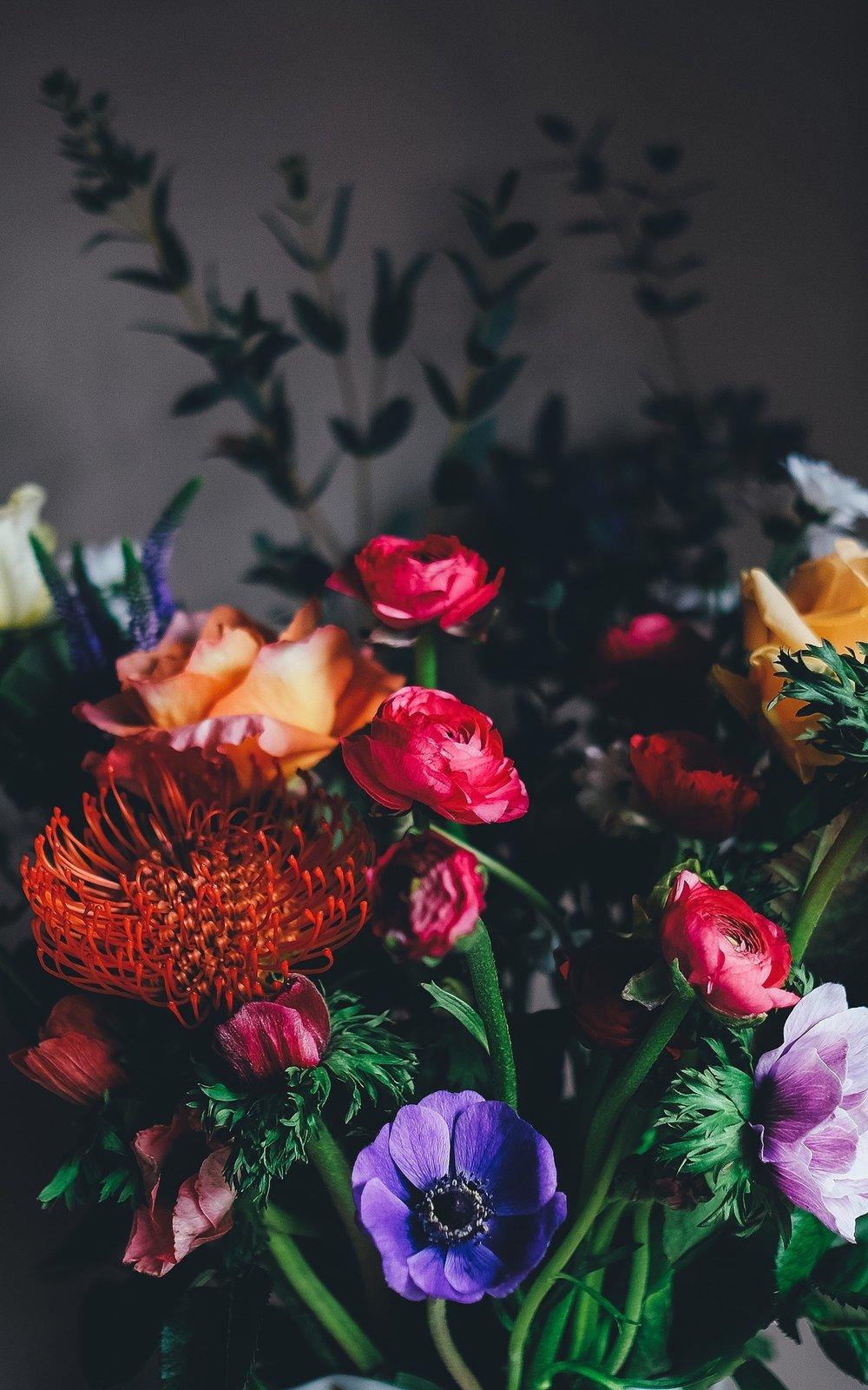 flowers-1245828_1920.jpg