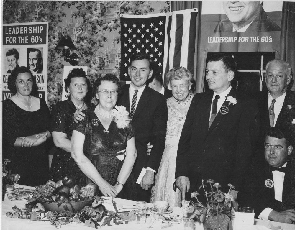 Gore Vidal, center, and Eleanor Roosevelt to his left at a political dinner at the Worth in 1959