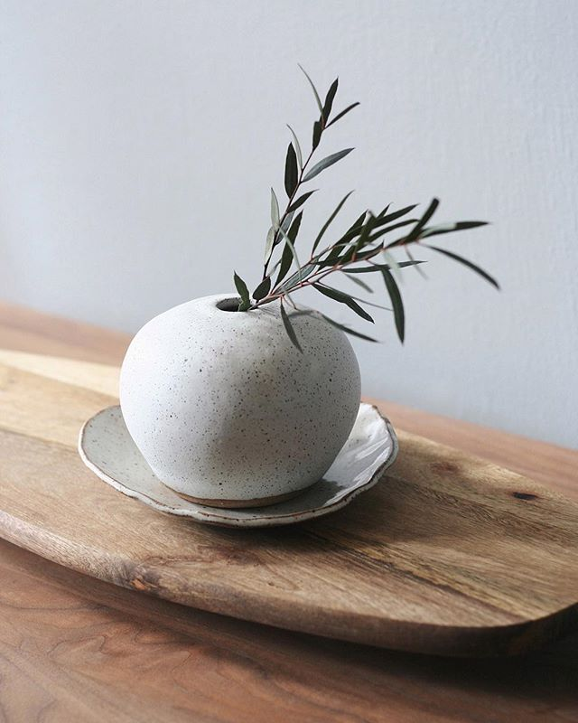 "Today I'm releasing my first set of ceramic pieces on the @morning_portal shop!  Handmade in D.C. by me! This one-of-a-kind ""Terra"" stem vase is one of my favorites 🌾🥚✨ #MorningPortalHome link in bio!  Also go follow my other account @morning_portal where new interior stuff will be posted ! 🤗"