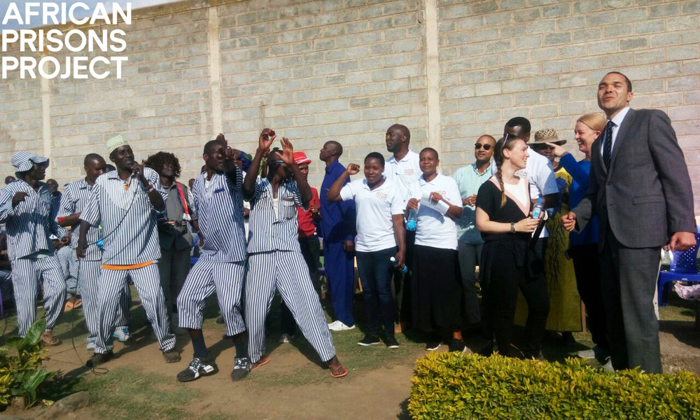 Above: TEDx visitors and the APP team join the Naivasha Maximum Prison band in song and dance.