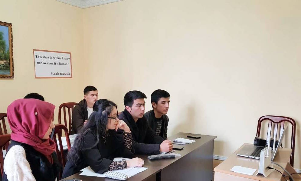 Free market and entrepreneurship - Two cohorts consisting of 5-person teams have become familiarized with free market economics and prepared pro-bono consulting reports