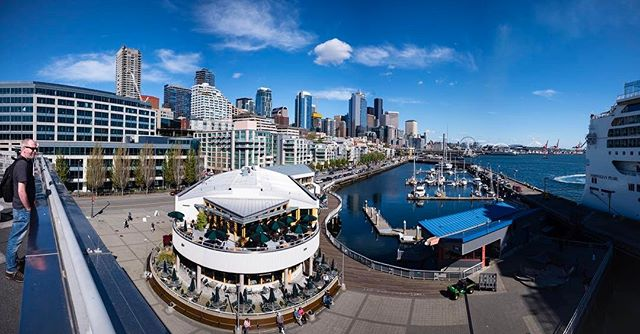 Seattle waterfront on a sunny day in May!  #seattlewaterfront #photographerlife #leicam #leicam10 #summilux24mm #cityscape
