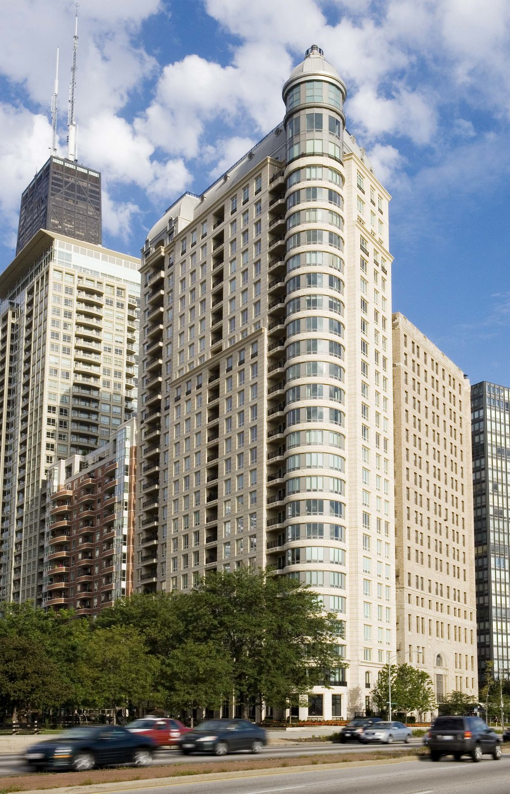 840 North Lake Shore Drive    840 North Lake Shore Drive  Chicago, Illinois