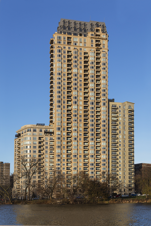 2550 Lincoln Park   Chicago, Illinois