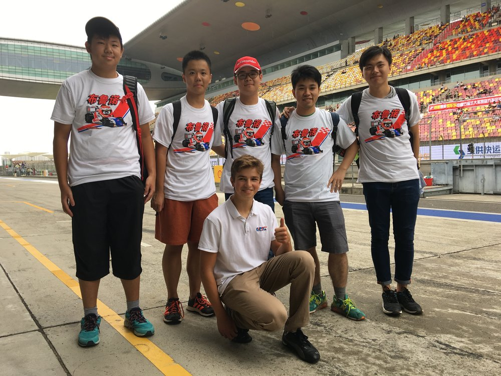 Bruno Carneiro receives the visit of his friends and fans during the FIA F4 Chinese Championship in Shanghai (Sep. 2016)