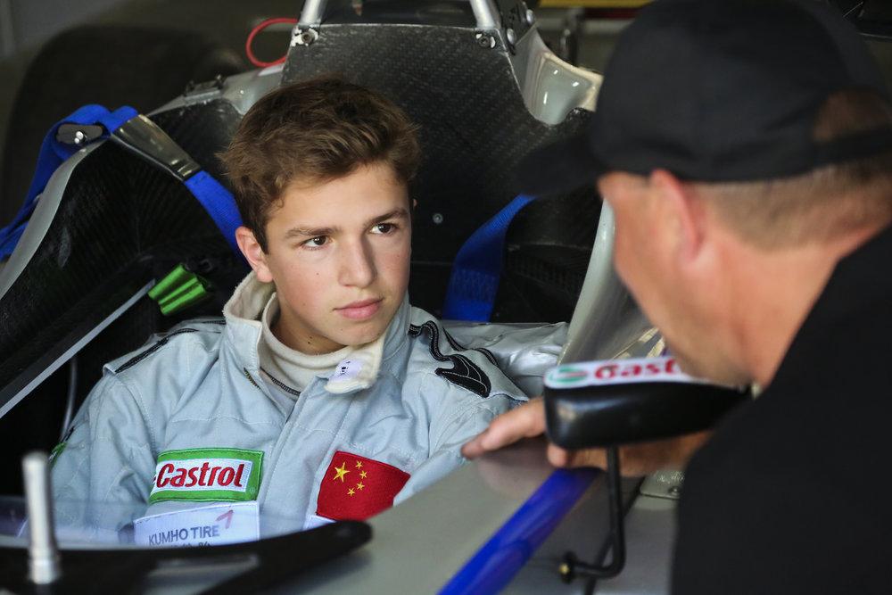 Bruno Carneiro and Ian Lacy. Zhuhai International Circuit (Nov. 2015) Photo by CFCP