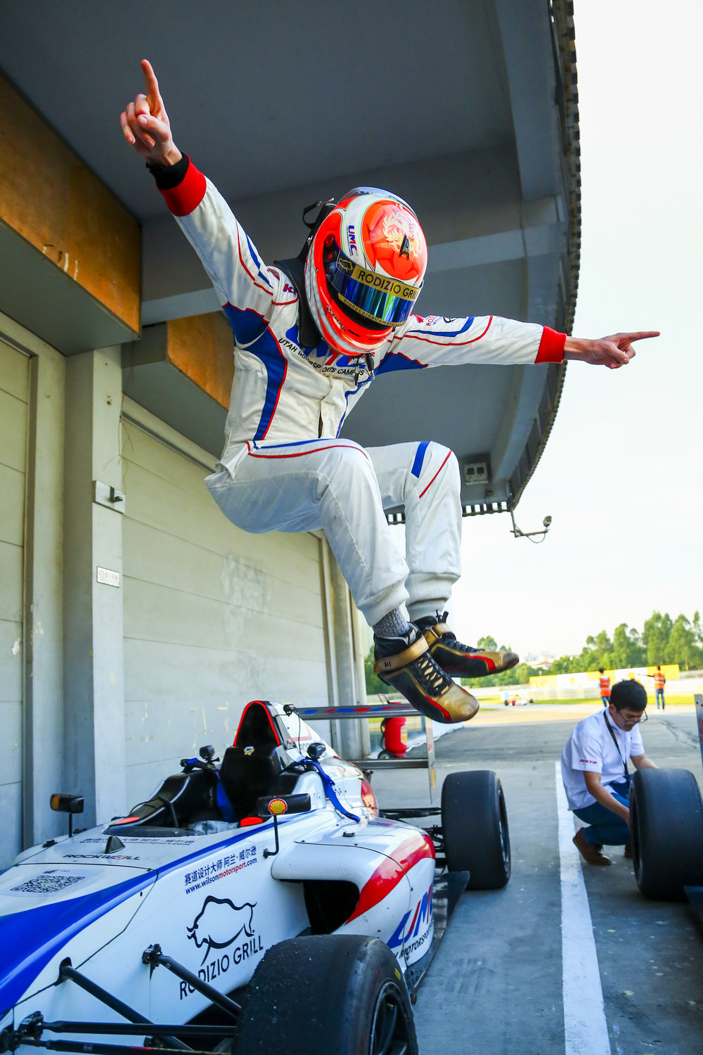Bruno Carneiro celebrates clinching the 2016 FIA F4 Chinese Championship powered by Geely.